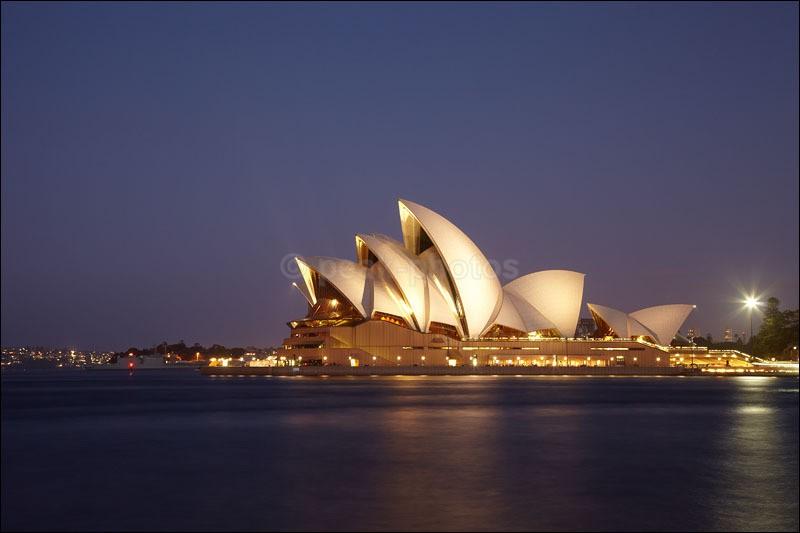 Syndey Opera House - Photographs of New Zealand