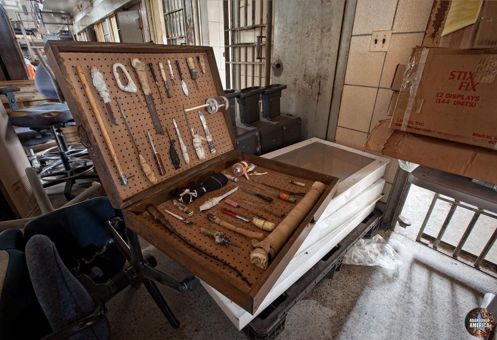 my box of shivs - Steadmoor Correctional Facility*