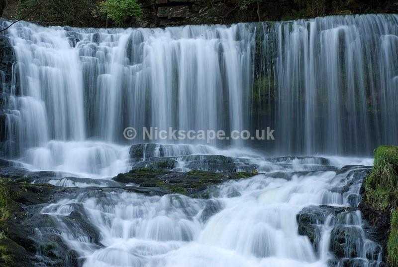Sgwd isaf Clun-gwyn Waterfall | Brecon Beacons Waterfall Trail