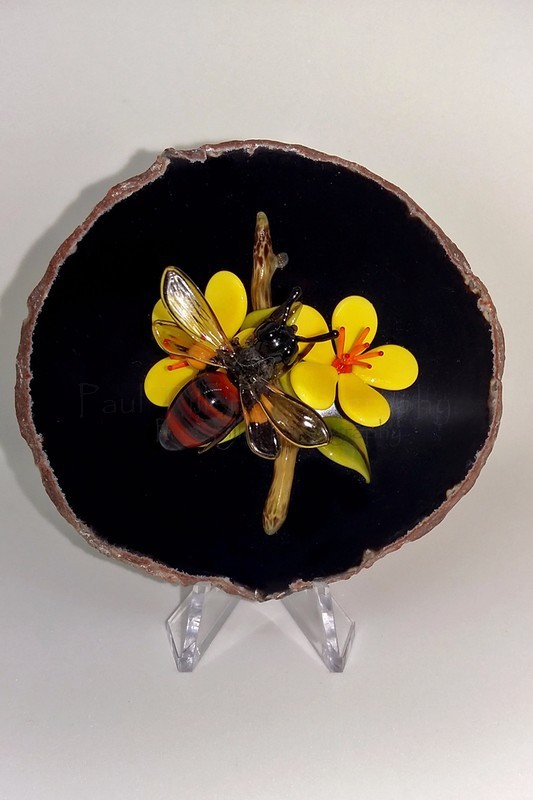 Honey bee - The art of glass