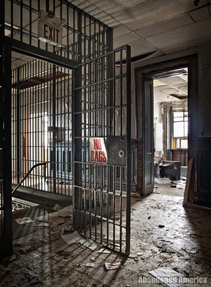 Essex County Jail Annex (Caldwell, NJ) | Lobby Cage - Essex County Jail Annex