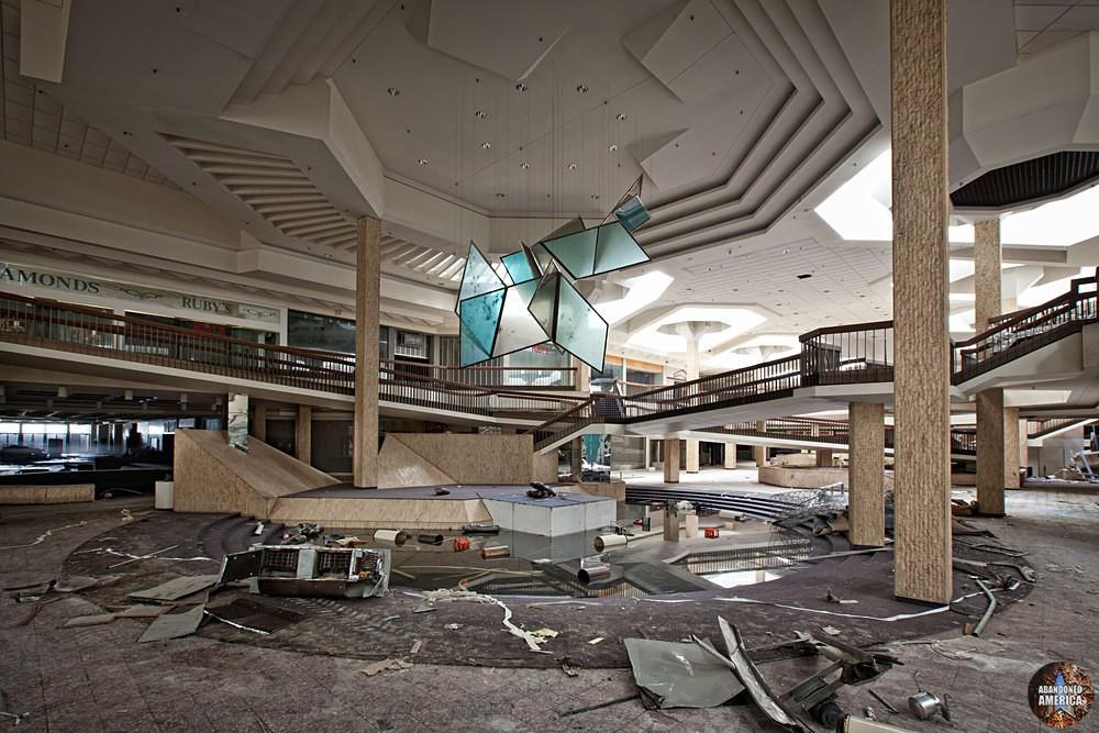 Randall Park Mall (North Randall, OH) | Bullet-Riddled Centerpiece - Randall Park Mall