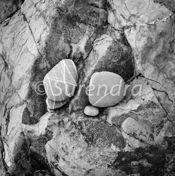 Eroded Rocks # 9D - Eroded Rocks  自然に老化を重ねた岩石