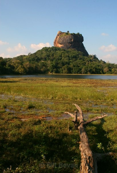 Sigiriya Lagoon - Monument