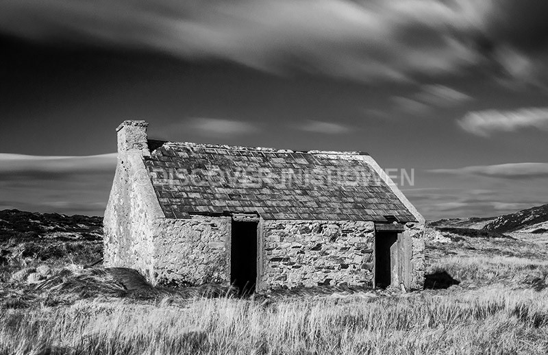 Old cottage, Malin Head - Inishowen peninsula- B&W