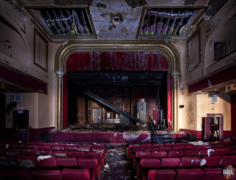 - The Garman Theater and Hotel Do De