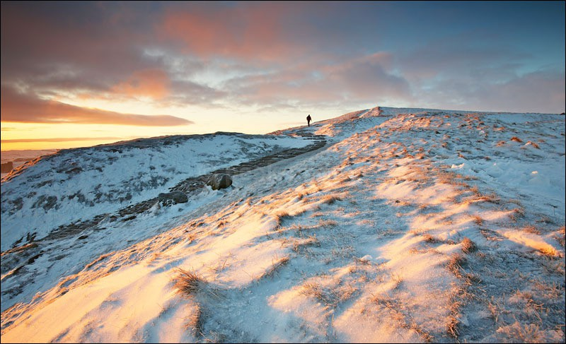 Walking the Great Ridge - Peak District Winter