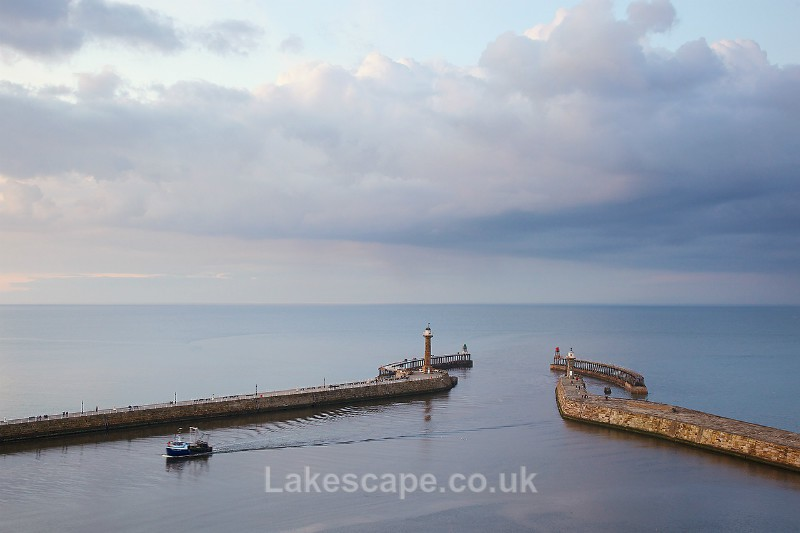 Whitby Harbour_4671 - Yorkshire