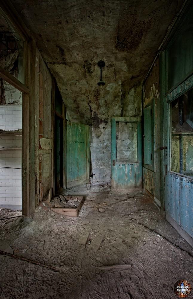 Ocean Vista Tuberculosis Hospital - Photographs by Matthew Christopher Murray's Abandoned America