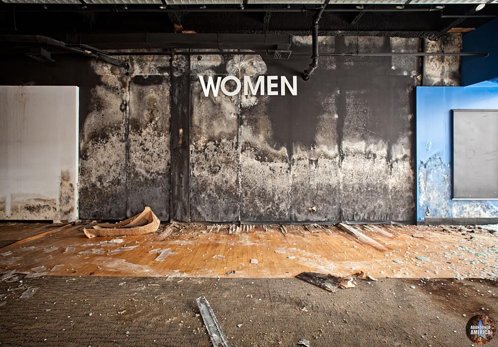 Randall Park Mall (North Randall, OH) | Women's Section - Randall Park Mall