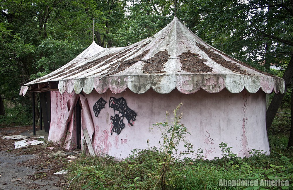 Enchaned Forest (Ellicott City, MD) | Moldy Tent - The Enchanted Forest
