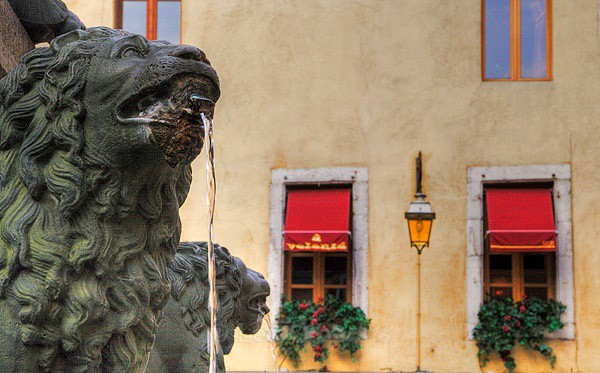 annecy fountain - Grenoble