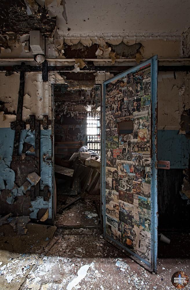 - G. B. Piranesi Prison*