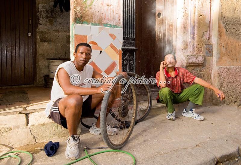 Changing a Wheel - Cuba