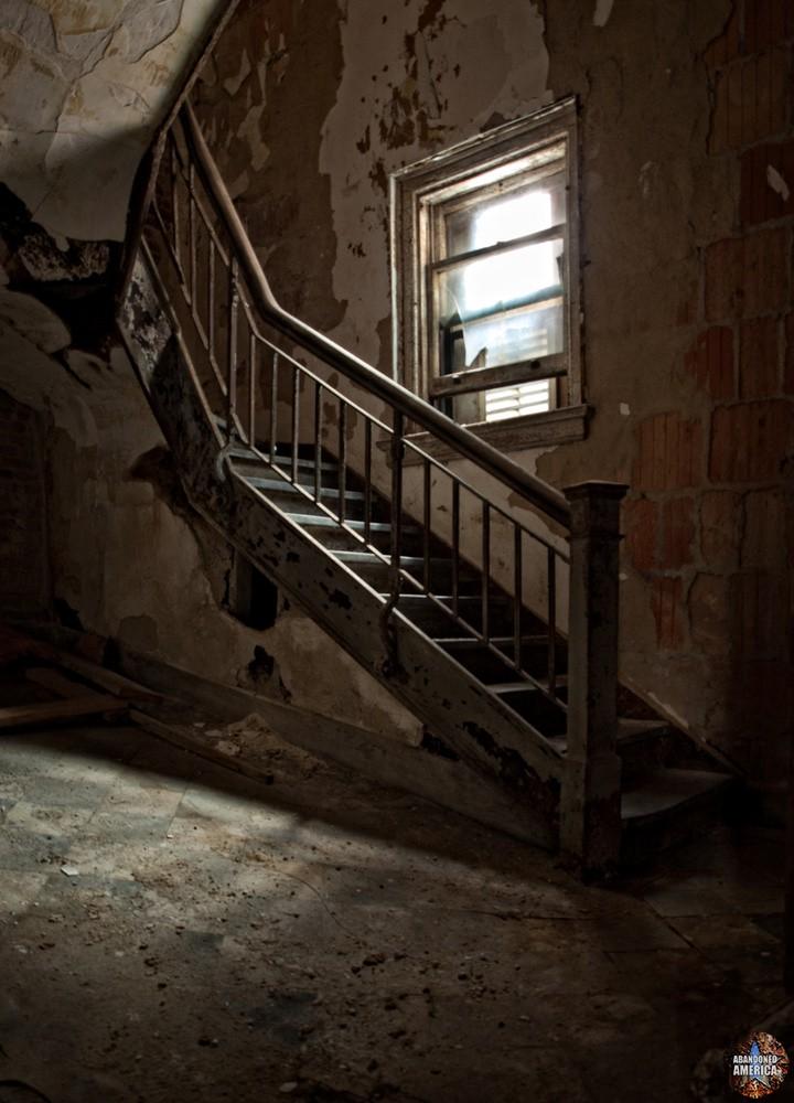 ellis island communicable disease hospital - matthew christopher murray's abandoned america