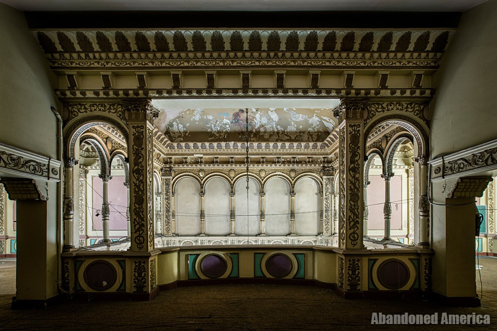 Mezzanine Molding at The Westlake Theatre, Los Angeles, CA | Abandoned America