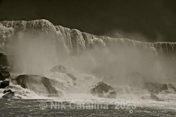 Water Rocks & Mist - Rushing Waters