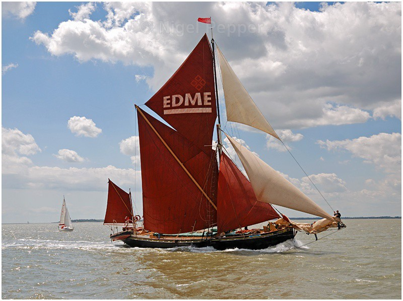 Racing to Win - The Pin Mill Barge Match