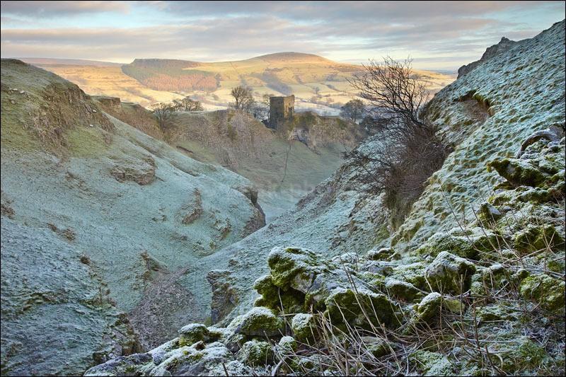 Cavedale to Peveril Castle - Peak District Winter
