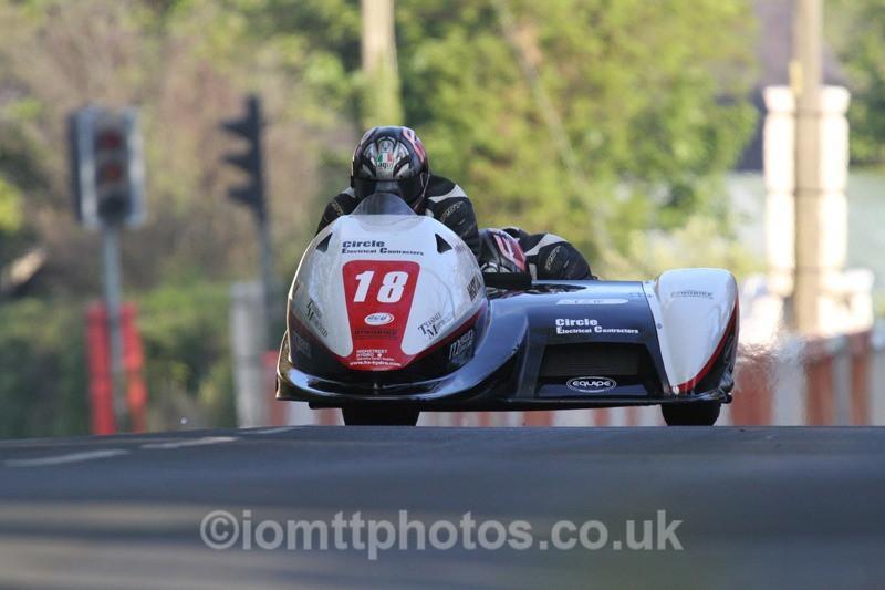 IMG_5488 - Thursday Practice - TT 2013 Side Car