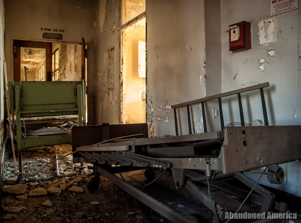 Sydenham/Montebello Hospital (Baltimore, MD) | E-Wing Doorway - Sydenham/Montebello Hospital