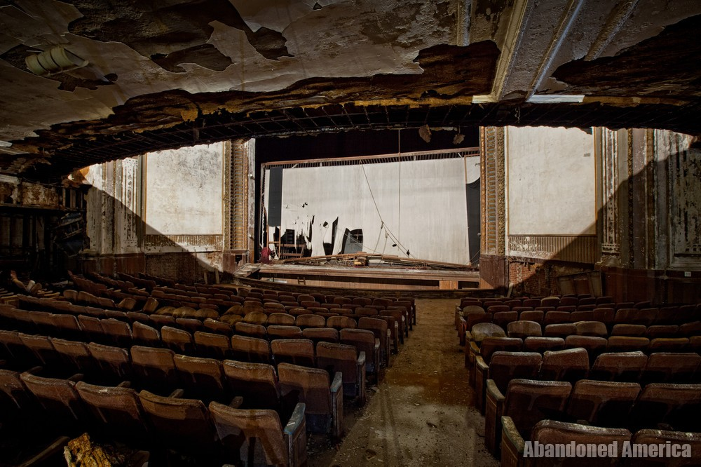 Victory Theatre (Holyoke MA) | Saucer Shaped Shadow - The Victory Theatre