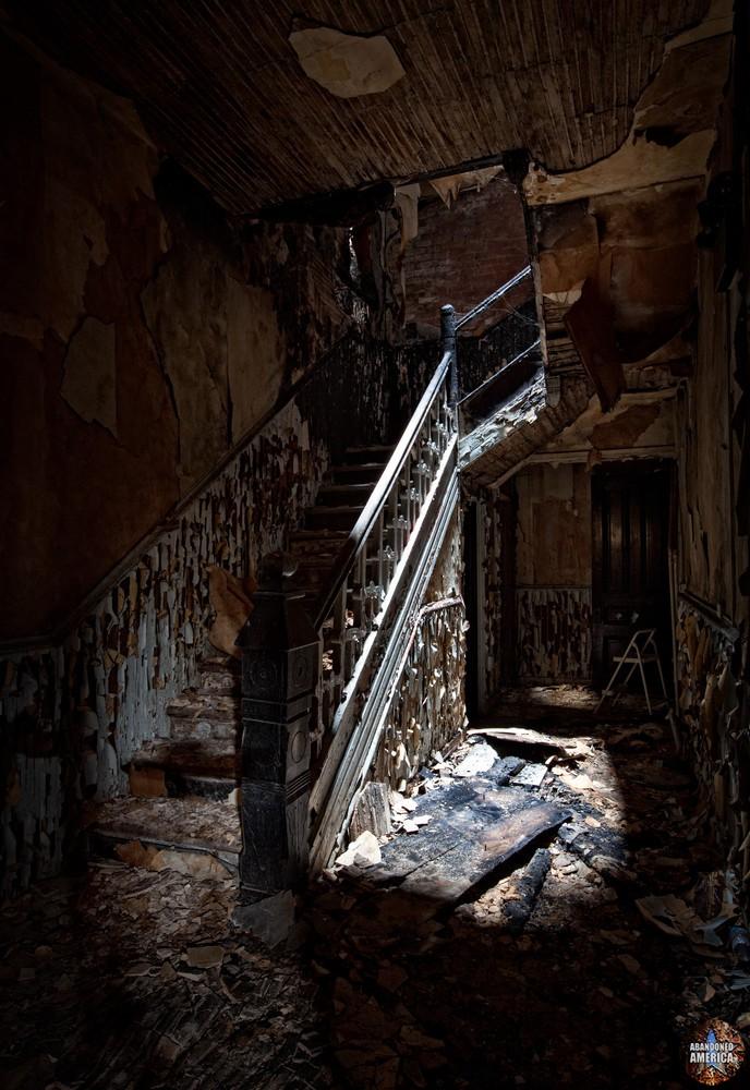 Hotel Do De (Bellefonte, PA) | Main Staircase - The Garman Theater and Hotel Do De