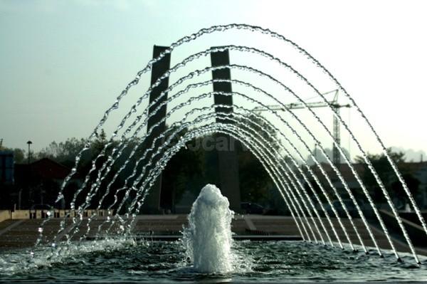 Water Crane Fountain - Water Fountain