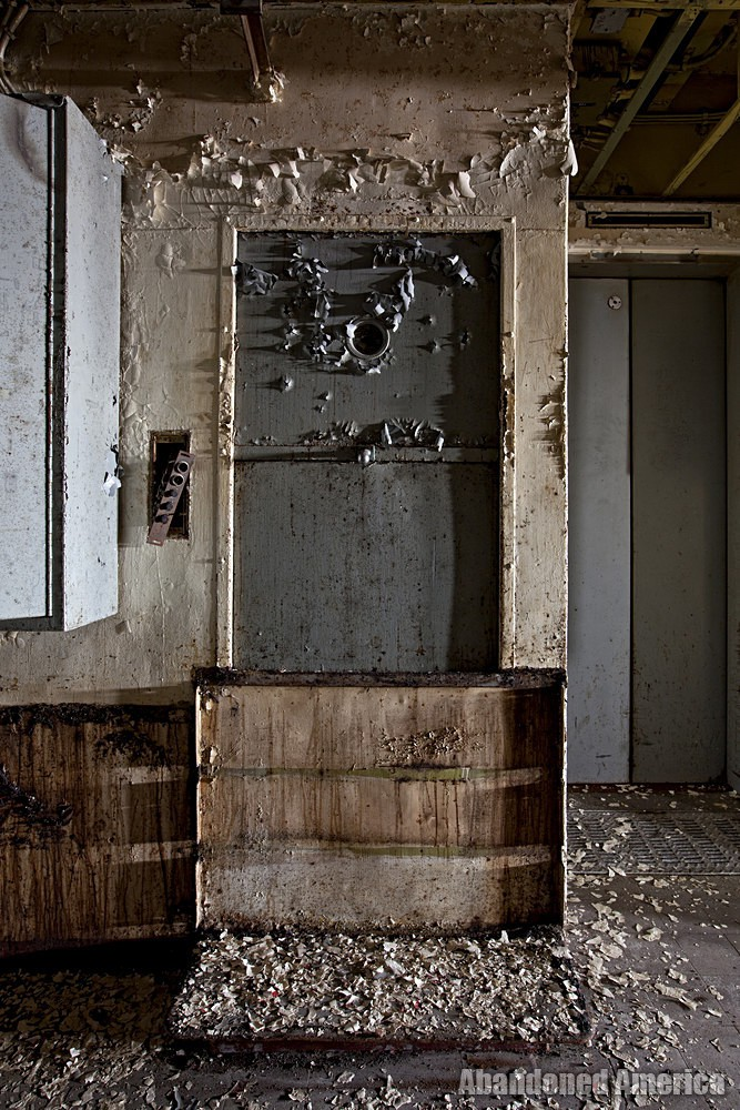 Crumbled Paint | SS United States (Philadelphia, PA) - SS United States
