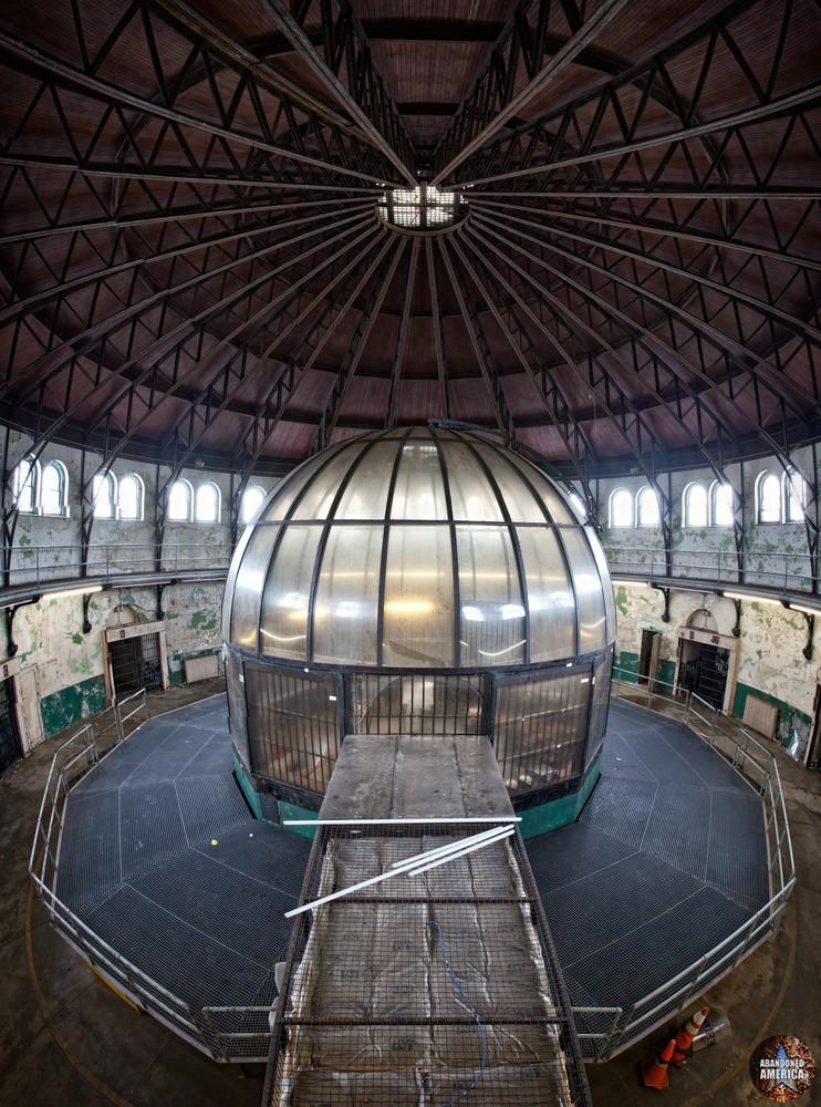 Center control station, Holmesburg Prison, Philadelphia PA | Abandoned America by Matthew Christopher