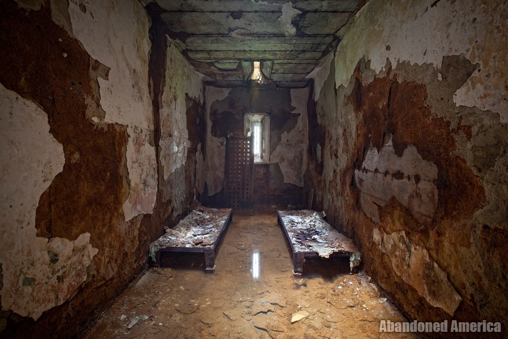 Flooded cell, Holmesburg Prison, Philadelphia PA | Abandoned America by Matthew Christopher
