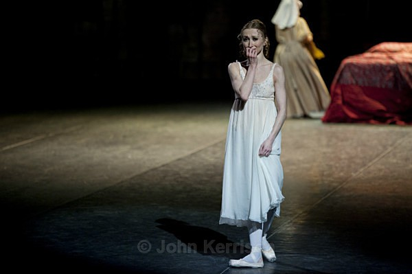 Daria Klimentova as Juliet - Daria Klimentova and Vadim Muntagirov - Romeo and Juliet