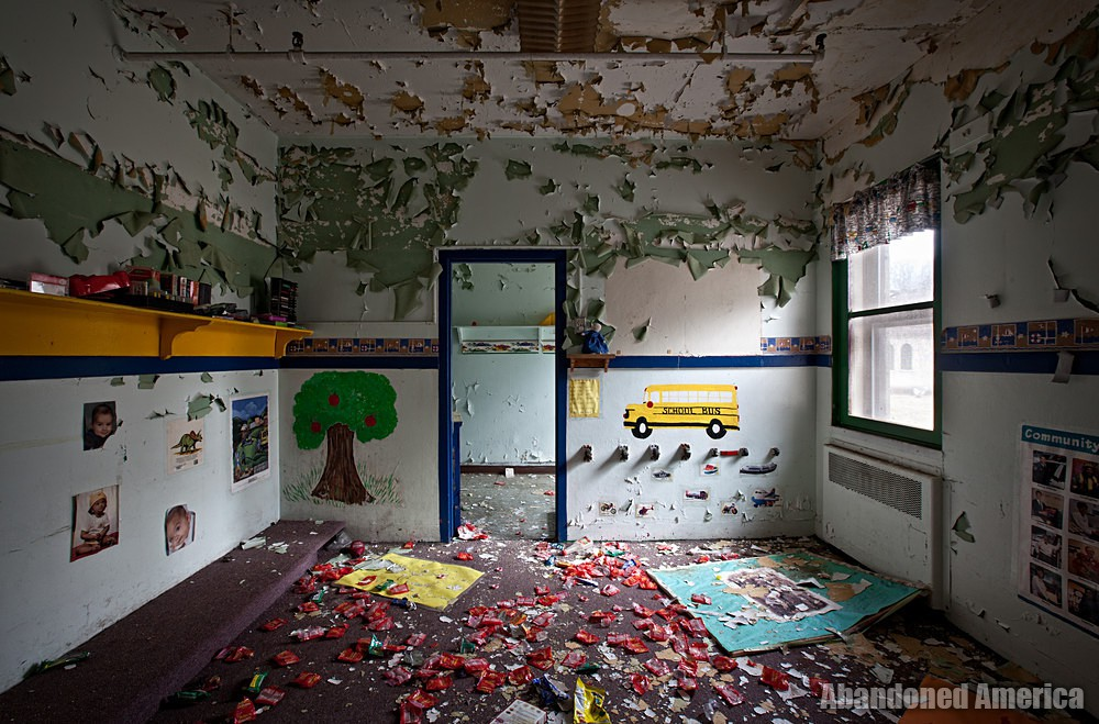 Abandoned psychiatric hospital   Abandoned America
