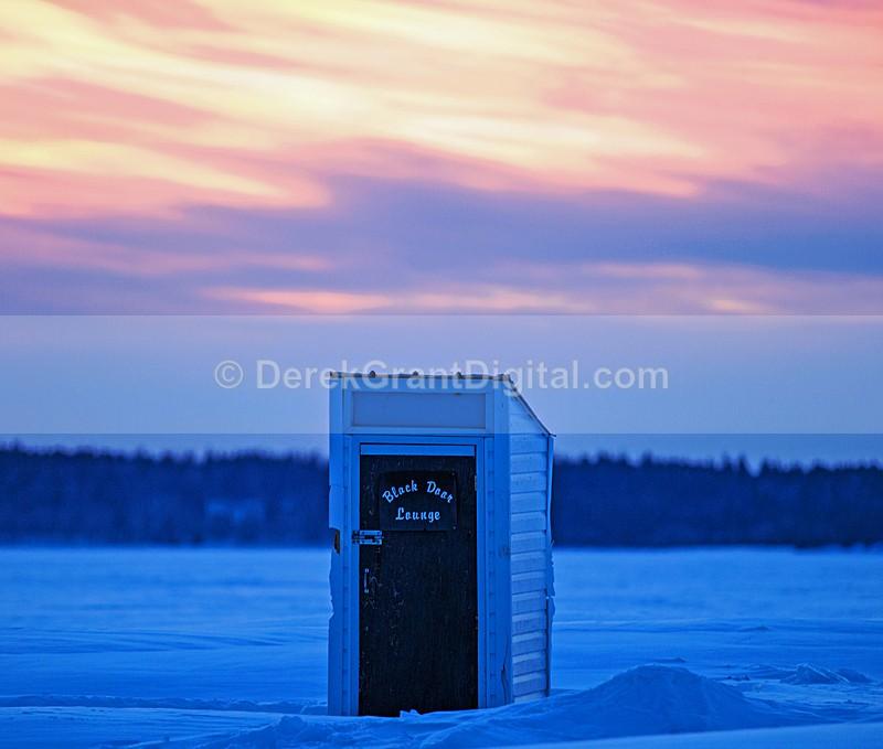 Black Door Lounge - Renforth Ice Fishing Village. - Sunset/Moonrise