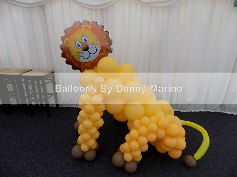Lion Sculpture - Balloon Sculptures