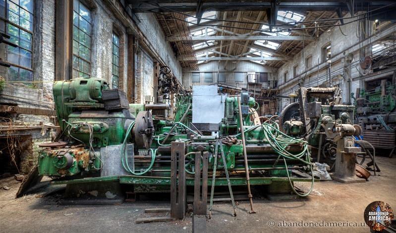 Watts Campbell Machine Shop - Matthew Christopher's Abandoned America