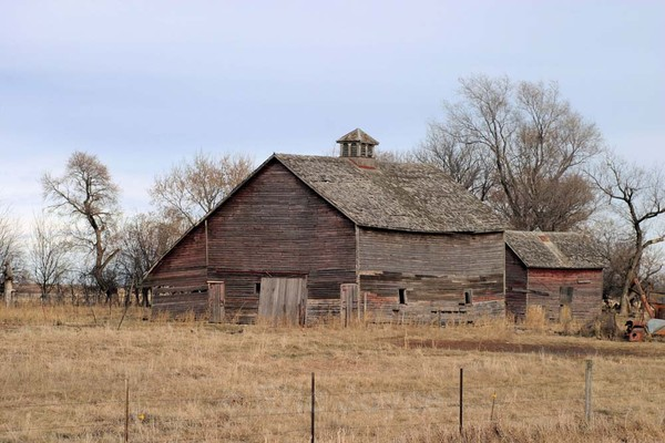 Country Road Barn - Barns & Remnants