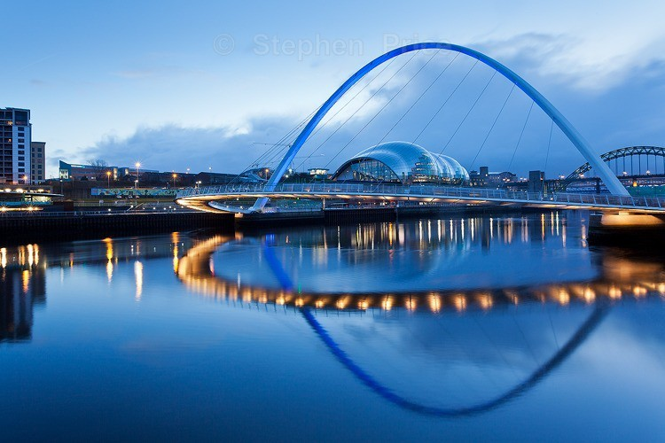 Millennium Bridge Evening Photo | River Tyne at Gateshead