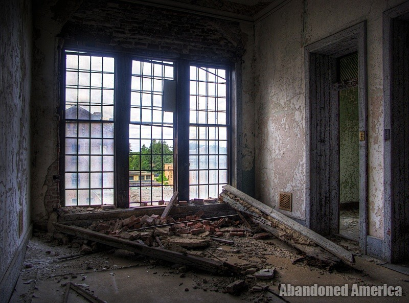 Crumbling window, Taunton State Hospital