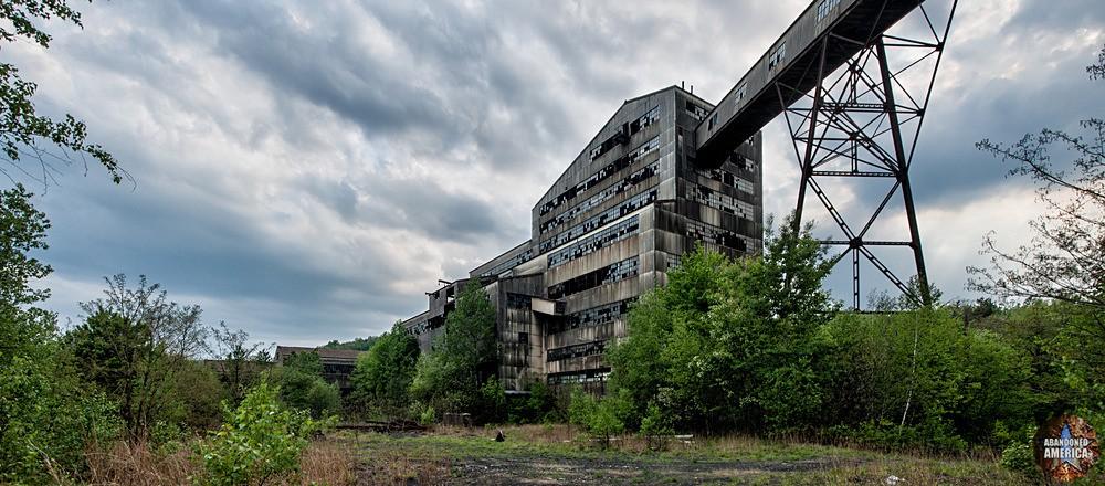 St. Nicholas Coal Breaker (Mahanoy City, PA)   Broken Breaker - St. Nicholas Breaker