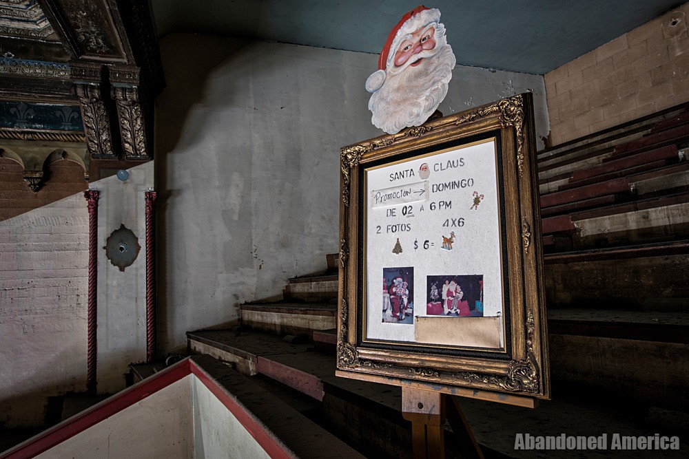 Photos With Santa at The Westlake Theatre, Los Angeles, CA | Abandoned America