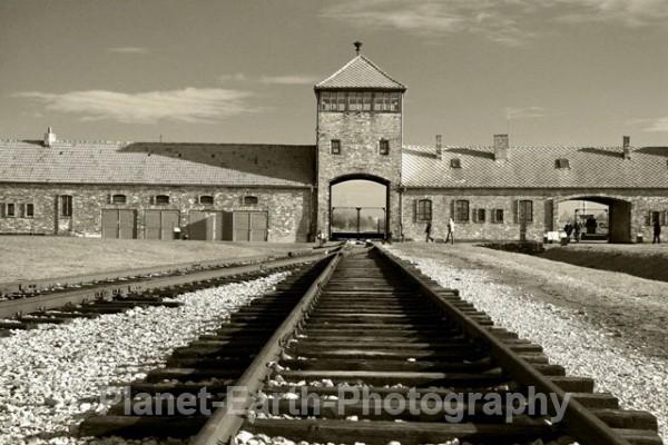 Hells Gate - Auschwitz