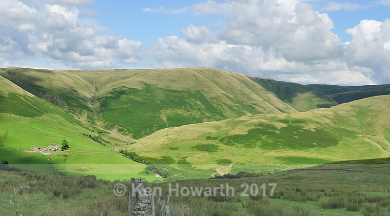 The rugged wild landscape of the Howgills. - Lakeland Landscapes