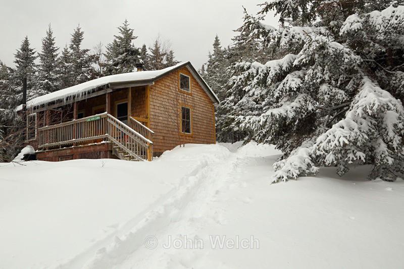 AMC Cardigan High Cabin in Winter - Winter