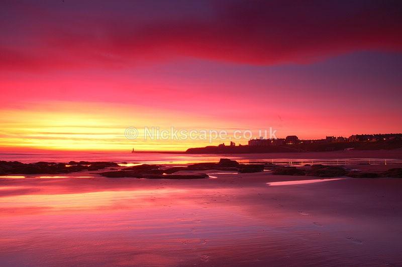Vivid winters sunset at Longsands Beach in Tynemouth | North Tyneside Coastal Photography Gallery