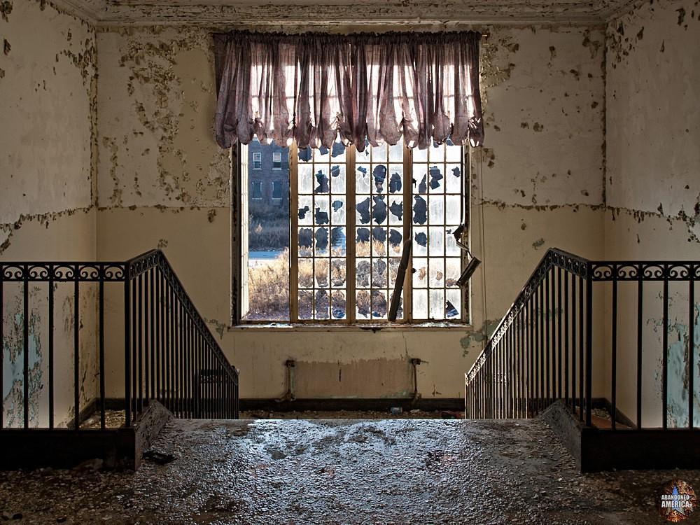 Pilgrim State Hospital (Brentwood, NY)   Administration Stairwell - Pilgrim State Hospital