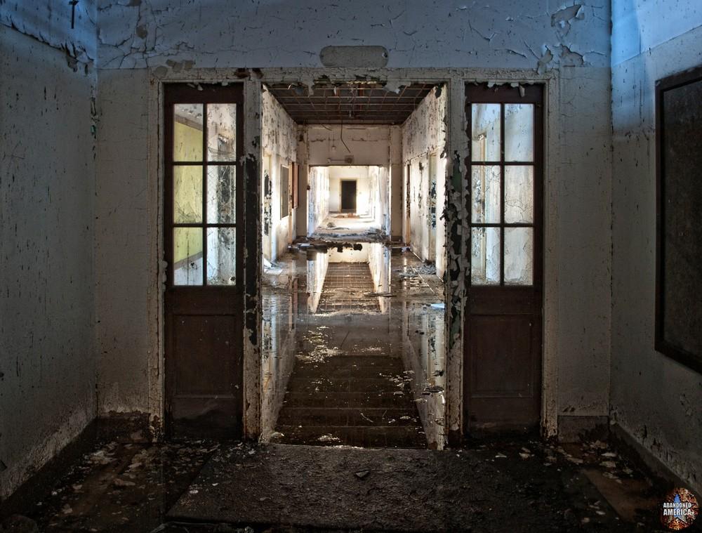 Pilgrim State Hospital (Brentwood, NY) | Reflection of a Ruin - Pilgrim State Hospital