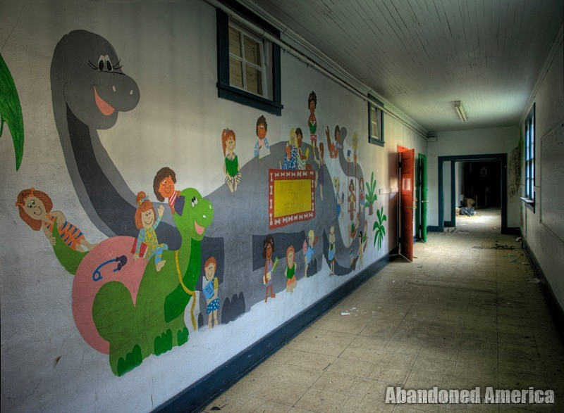 Abandoned emementary school - Matthew Christopher's Abandoned America