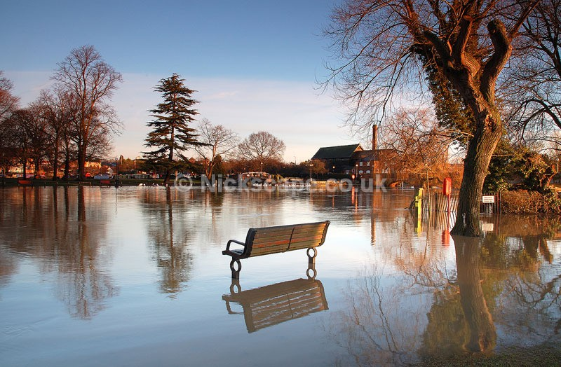 Flooded River Avon and Clopton Bridge at Stratford | Stratford upon Avon Photographs