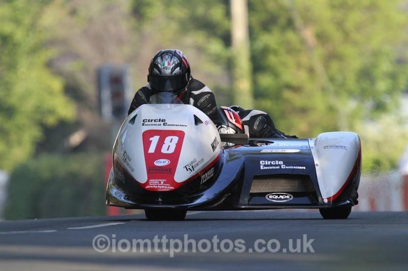 IMG_5490 - Thursday Practice - TT 2013 Side Car